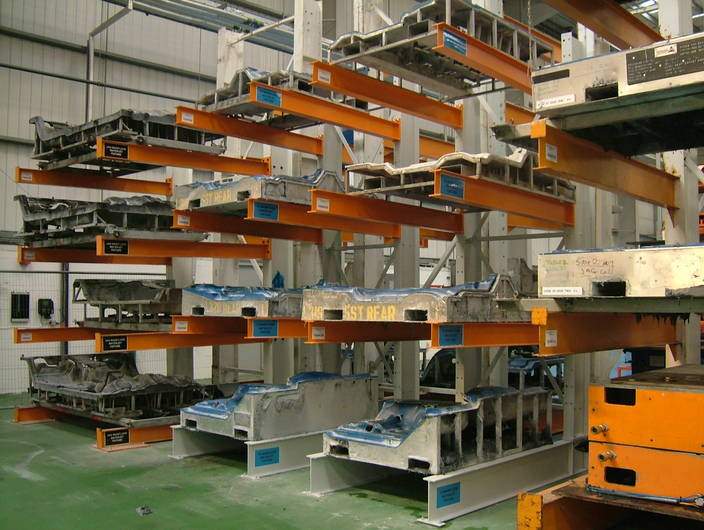 cantilever-tool-rack-wickens