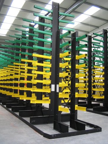 cantilever racking with guide rail