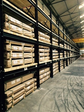 heavy duty pallet racking at a warehouse